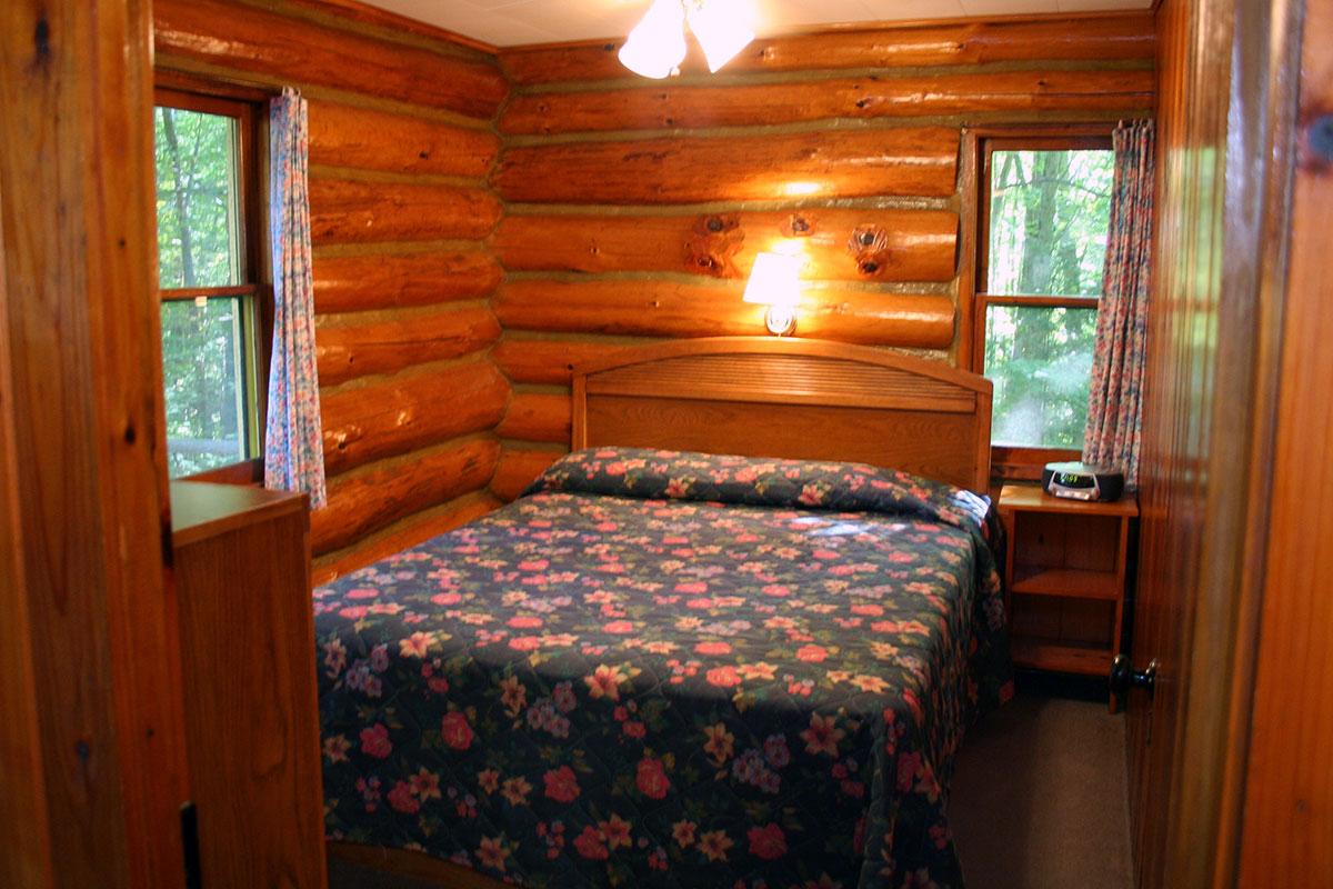 Hillside Log Cabin #5 Bedroom with Queen size bed