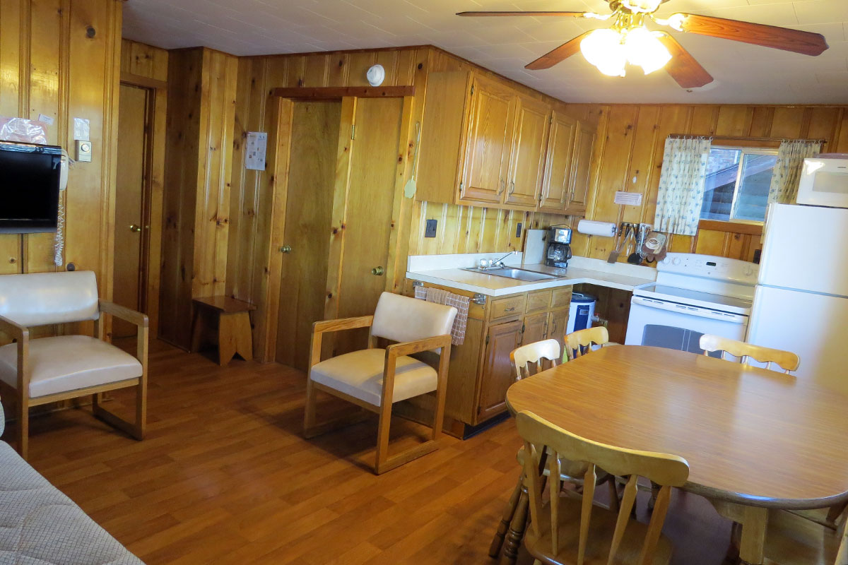 Cottage G - kitchen & living room